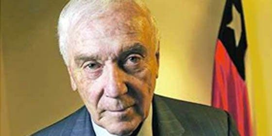Dimite embajador chileno que alabó a Pinochet