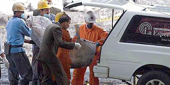 Mueren 18 mineros y 72 están atrapados tras explosión en una mina en Colombia