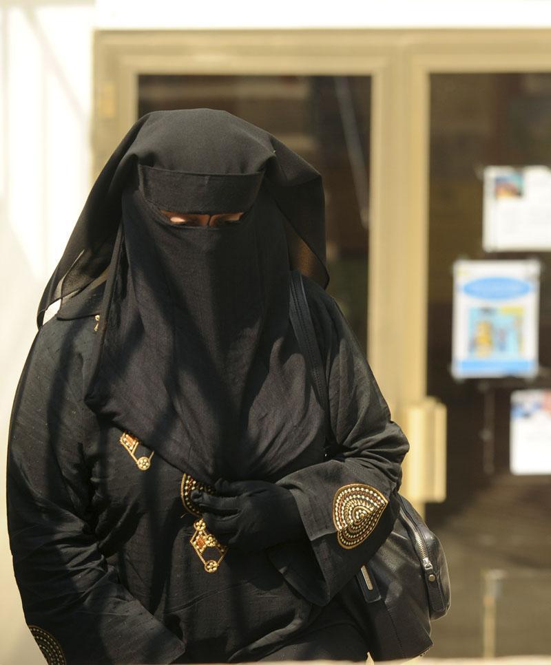 Musulmanes recurren la prohibición del 'burka' en Lleida