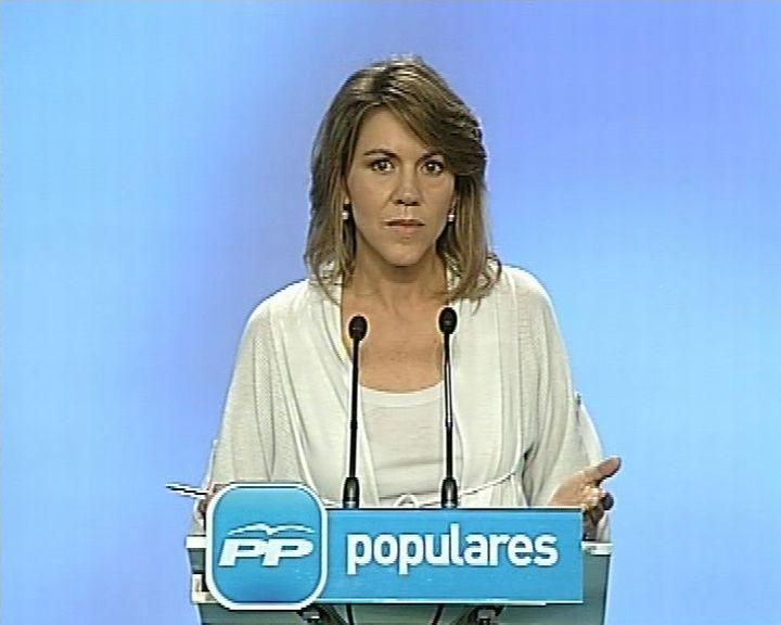 """Cospedal denuncia una """"persecución"""" de Interior contra el PP"""