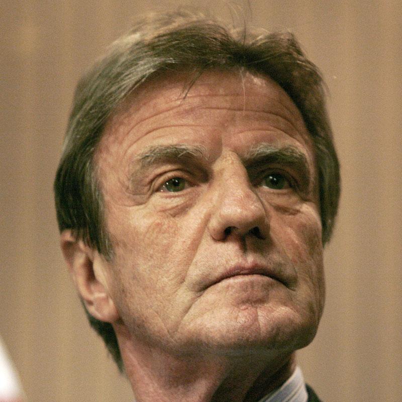 Kouchner no aprecia incremento de la amenaza terrorista en Francia