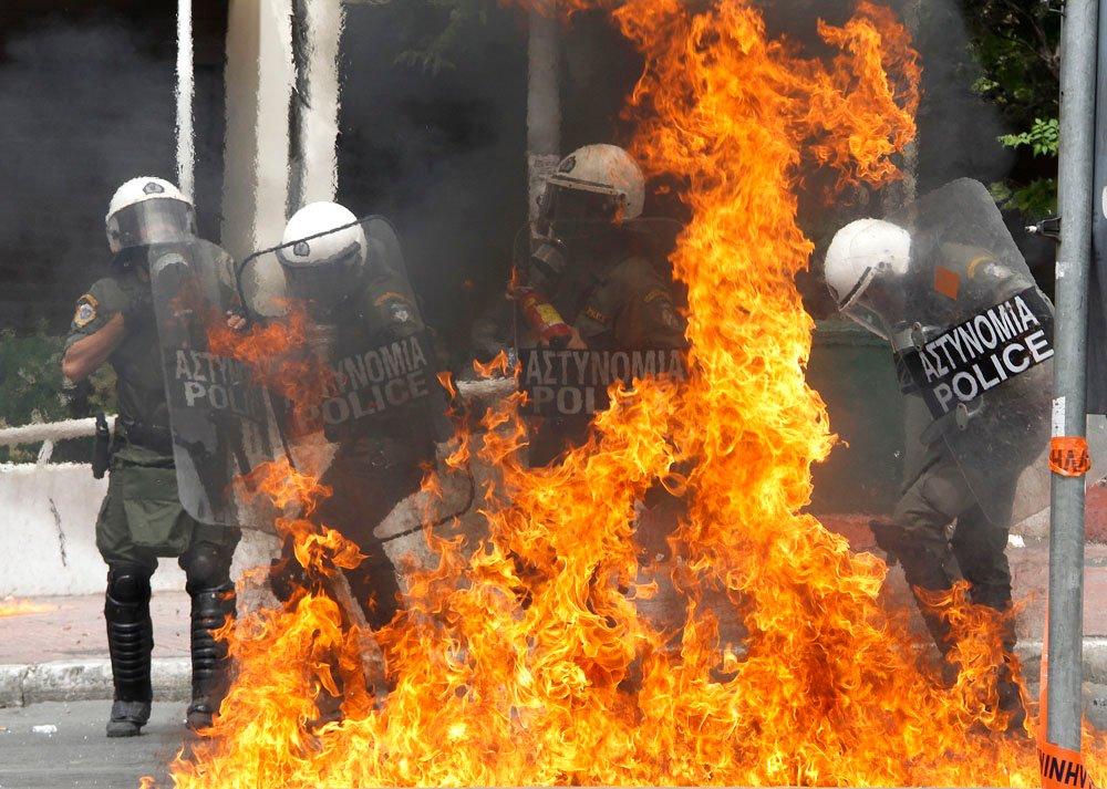 Secta Rebelde amenaza con dañar la temporada turística griega