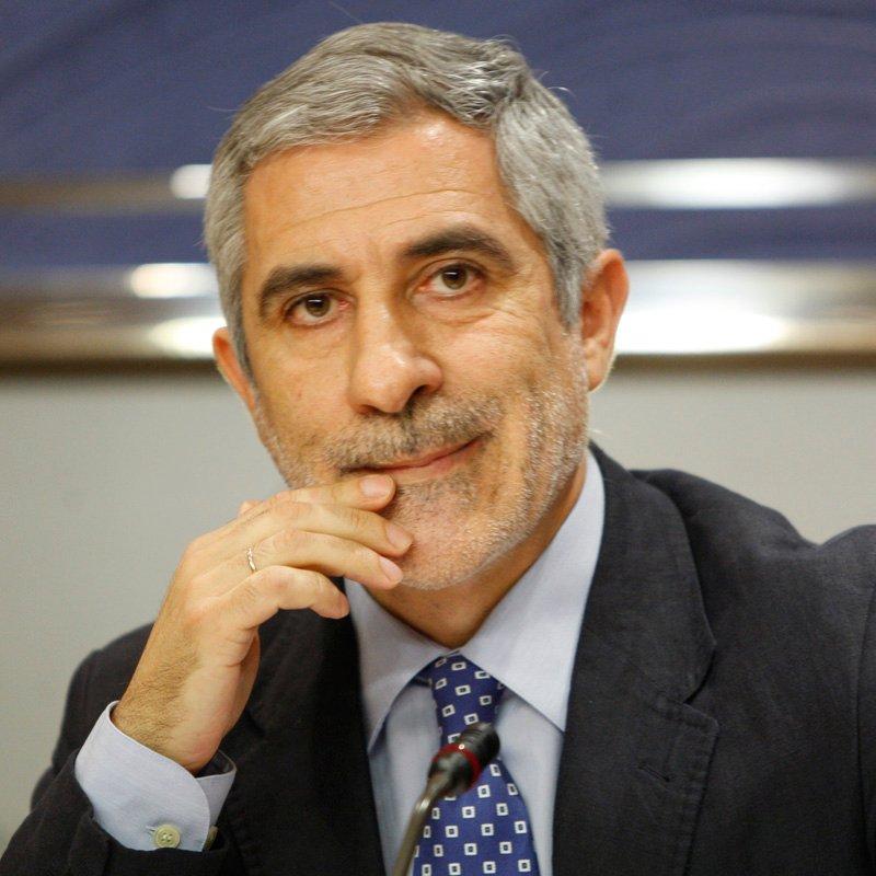 Llamazares no cree generalizable la prohibición a toda España, pero pide al PP que no use el tema para enfrentar