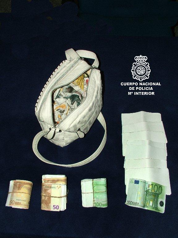 Dos detenidos en Burgos por intentar estafar a una anciana mediante un timo basado en el reparto de una herencia