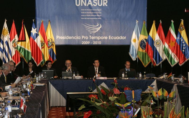 UNASUR convocará una cumbre para resolver la disputa colombo-venezolana