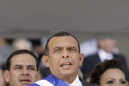 Chile restituye a su embajador en Honduras y reconoce a Lobo como presidente legítimo
