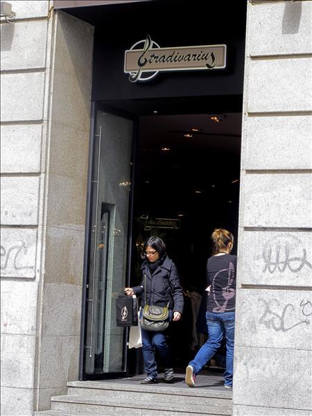 Las tiendas de ropa no aplicarán el aumento del IVA que entra en vigor hoy