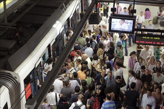 El Metro de Madrid funciona con servicios mínimos y sin incidentes, según los sindicatos