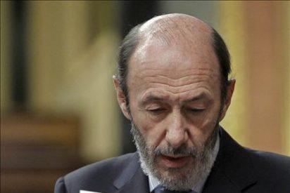 """Rubalcaba afirma que los rumores de negociación con ETA son """"mentira"""" y """"perjudiciales"""""""