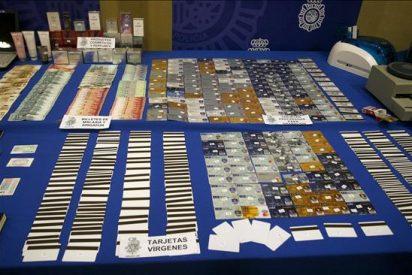 Seis detenidos por integrar una banda dedicada a clonar tarjetas bancarias