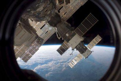 El carguero ruso Progress se acopla a la Estación Espacial Internacional al segundo intento