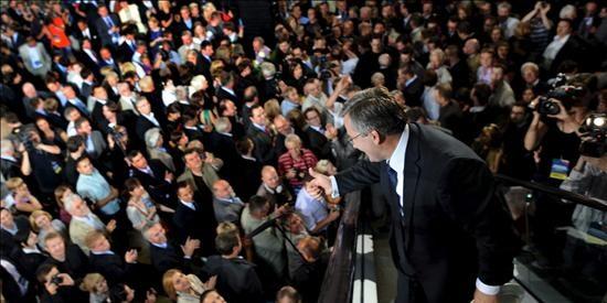 Komorowski es de nuevo ganador de elecciones con 80 por ciento escrutinios