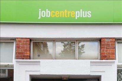 Londres podría eliminar 600.000 empleos públicos y abaratar el despido