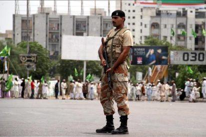 Un muerto en un ataque múltiple contra un cuartel en el noroeste de Pakistán