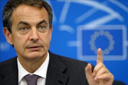 """Zapatero insiste en que no tiene """"ninguna intención"""" de cambiar su Gobierno"""