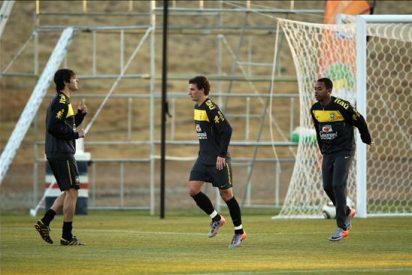 Leonardo se pone a disposición de la selección brasileña para relevar a Dunga