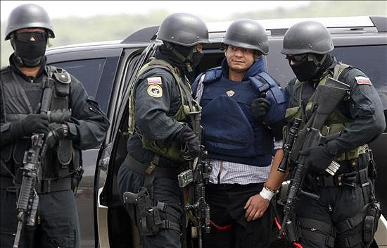 Venezuela envía a Cuba a Chávez Abarca y pide a EE.UU. la entrega de Posada