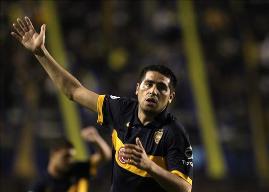 Riquelme acordó su continuidad en Boca Juniors, según el entrenador