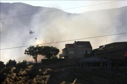 Vuelven a casa los 200 desalojados por un fuego en 19 hectáreas de Estepona