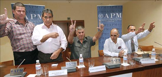 Los presos cubanos exiliados dicen que no se sienten libres en España