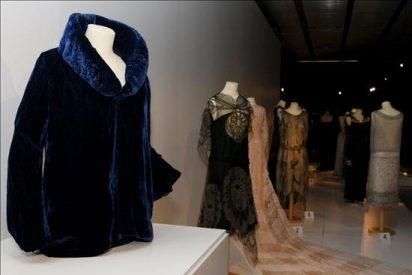 Una exposición recupera la Edad de la Oro de la Alta Costura española