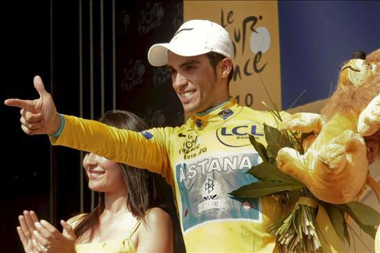 Contador pone en hora su tercer Tour y Menchov baja del podio a Samuel