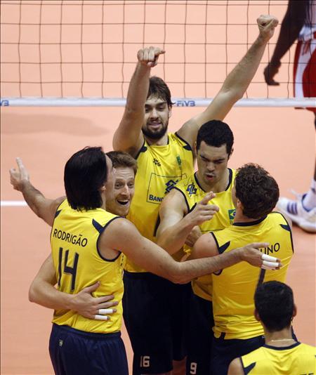 Brasil y Rusia definen al campeón de la 21 edición de la Liga Mundial de voleibol