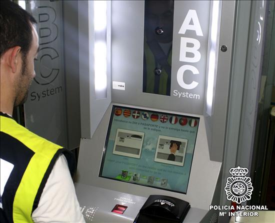 El nuevo control de fronteras de los aeropuertos, en 20 segundos y sin colas