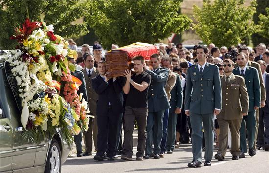 ETA, un año sin muertos que coincide con aires de cambio en el mundo radical