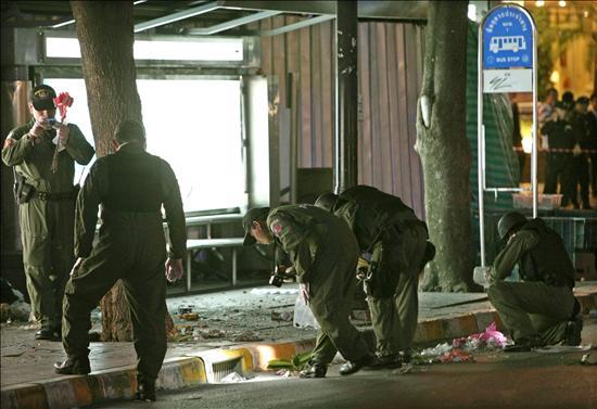 Ocho heridos al explotar una bomba en un supermercado en Bangkok