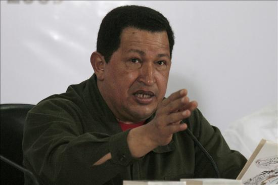 Chávez pide señales de Colombia e Insulza dice requerir una petición para mediar