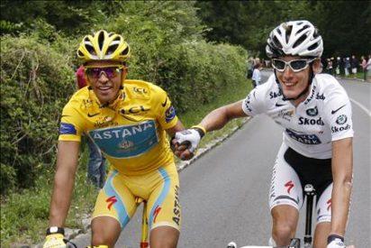 París aclama el tercer Tour de Contador