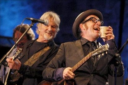 Elvis Costello y Kris Kristofferson forman grupo en La Trinidad