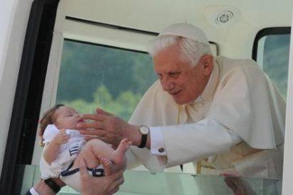 """El Papa llama a amar a los sacerdotes pese a sus """"debilidades"""""""