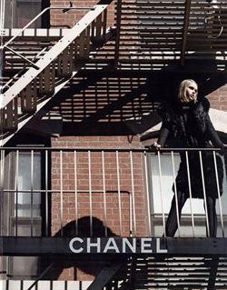 Chanel muestra la primera foto de su campaña otoño-invierno 2010/11