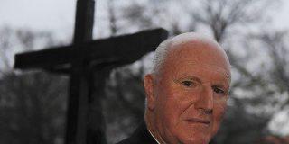 Arzobispo australiano critica que se encubran los casos de pederastia