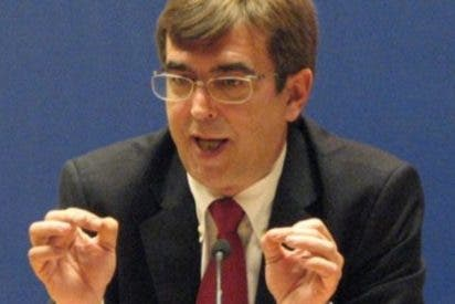 """La Fundación Nacional Círculo Balear llama a Francesc Antich """"lacayo de Montilla"""" por manifestarse en contra del TC"""