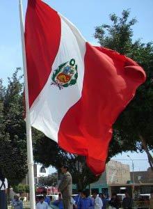 IV Izamiento de la bandera peruana en Madrid