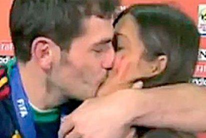 Viva Casillas y el beso a la Carbonero y a ver ahora a quién se le ocurre hablar de crisis hasta septiembre