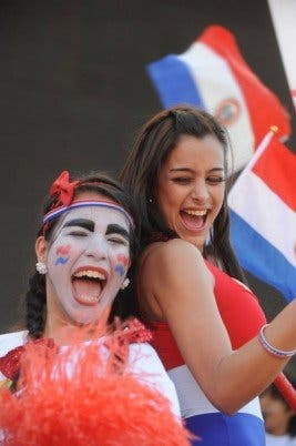 "Larissa Riquelme, la ""novia del mundial"", se desnuda"