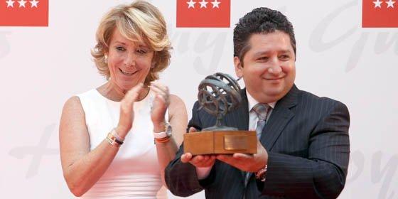 La Comunidad de Madrid distingue al periodista colombiano Herbin Hoyos