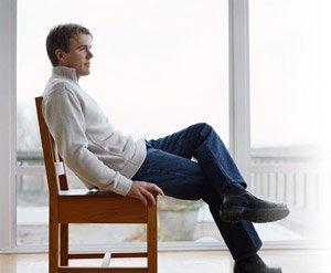Sentarse más de 6 horas aumenta el riesgo de mortalidad