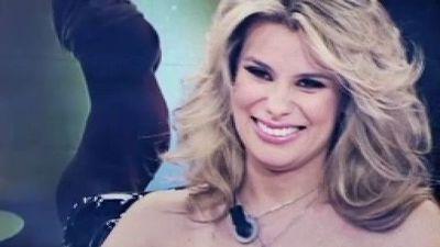 """María Lapiedra pierde el bikini en """"Sálvame"""""""