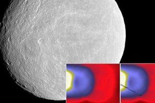 ¿Qué apareció alrededor de una luna en 2005?