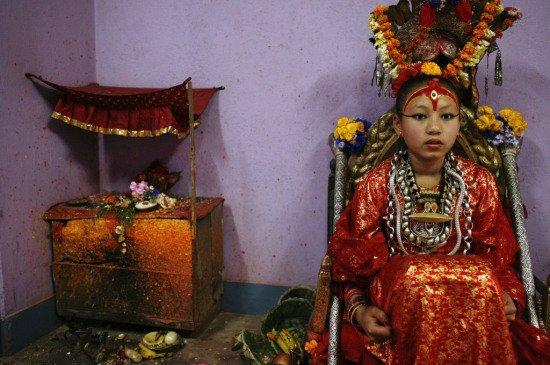 """La primera """"niña diosa"""" de Nepal quiere ser banquera"""
