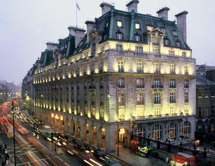 Un camionero en paro quiso vender el Ritz de Londres