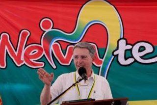 """Uribe rechaza el """"engaño"""" de la propuesta de diálogo de las FARC"""