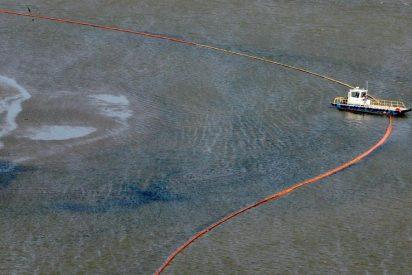 Casi 800 millones de litros de petróleo se han derramado en el golfo de México