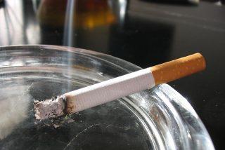 Fumar aumenta los síntomas de depresión entre los adolescentes