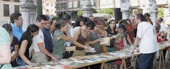 Peña Comuneros de Valladolid 'libera' el día 11 de septiembre más de 2.000 libros en una nueva edición del Bookcros